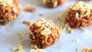 Carrot Cake Energy Bites - vegan, gluten-free, no-bake snack