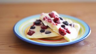 Frozen Greek Yoghurt Fruit Bark