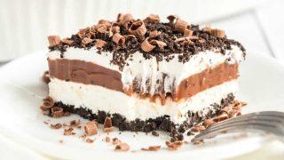 No-Bake Chocolate Lasagna - Oreos, Pudding, Cool Whip & More!