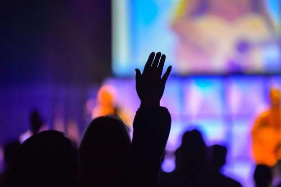 25 Amazing Worship Songs For Deep Worship